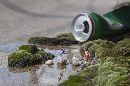 Slinkachu's Minaturesque Creates Street Scenes Using Toys - The Phoblographer