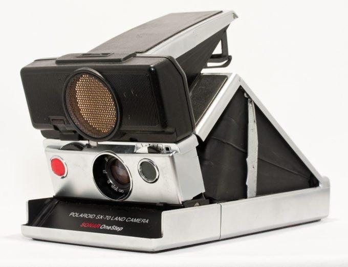 Vintage Polaroid Commercial Shows off Sonar Autofocus