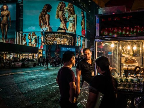 Street Fauna: A Deep Love for Street Photography in NYC