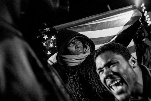 Photojournalist Andrew Renneisen Works in Heavy Situations