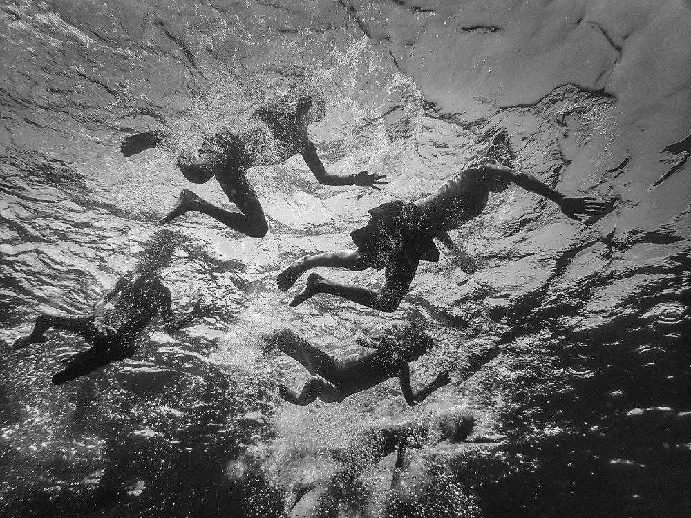 Hengki Koentjoro Captures the Underwater Frolic of the Boys of Alor Island