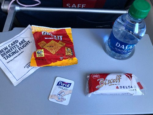 In-flight service is resuming — here's what food and drinks you can expect on your next flight