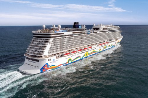 6 major cruise lines cancel December sailings in wake of CDC order
