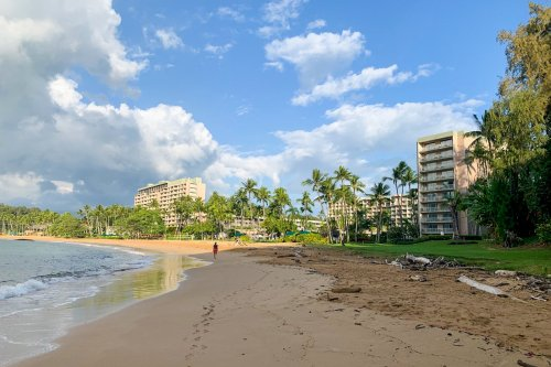 Fabulous property but dated rooms; The Kauai Marriott that will soon be a Sonesta