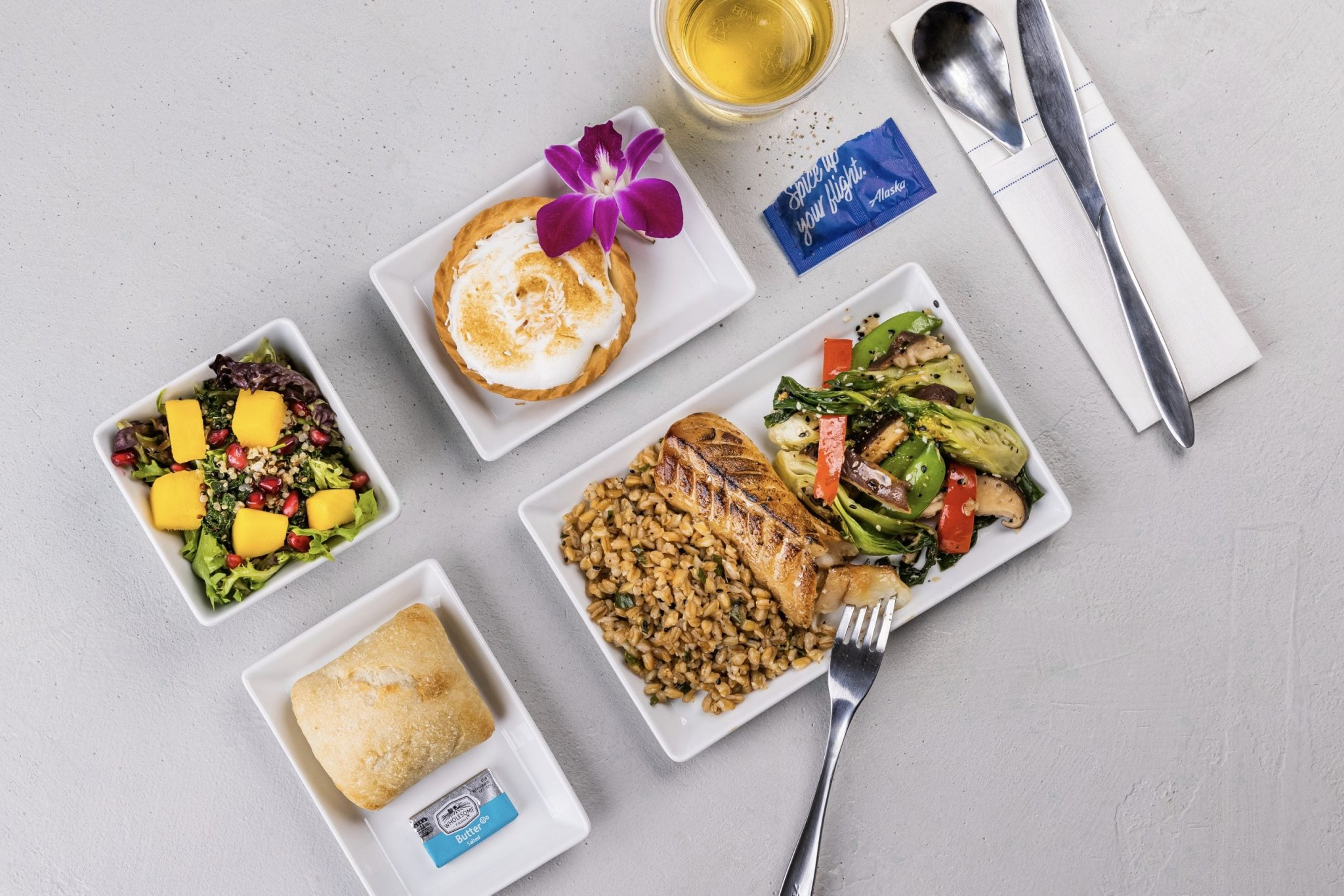 Inflight service is back — here's what food and drinks you can expect on your next flight