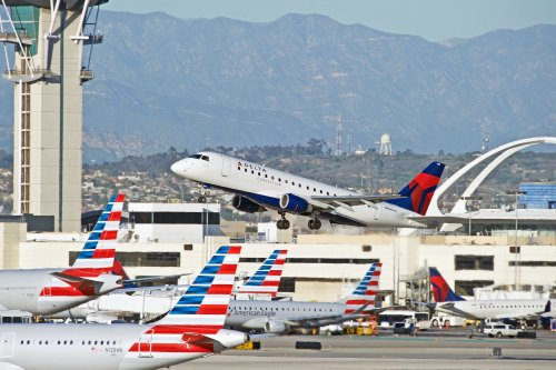 Vacationers drive travel rebound; flights filling up to Florida, other outdoor destinations - The Points Guy