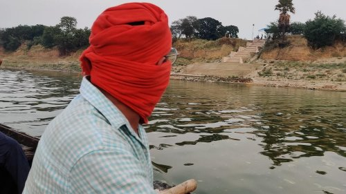 100 floating bodies, dogs & crows fighting over bones — a gory UP-Bihar boat ride on Ganga