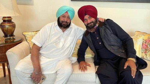 As rift deepens in Punjab Congress, Sidhu says Amarinder 'running govt with Badal family'