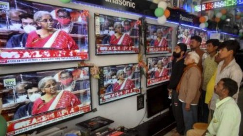 Govt amends Cable TV Network Rules to redress complaints against content of programmes