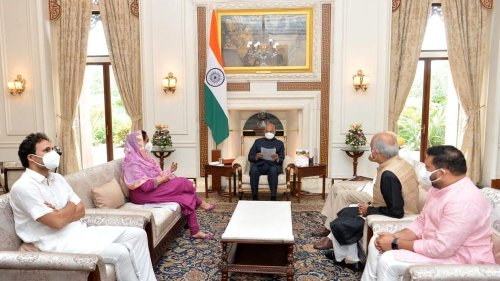 Delegation led by SAD, BSP, NCP & JKNC discuss farmers, Pegasus issue with President Kovind