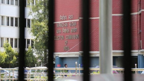 EC seeks report after voters allege central forces opened fire in Bengal's South 24 Parganas