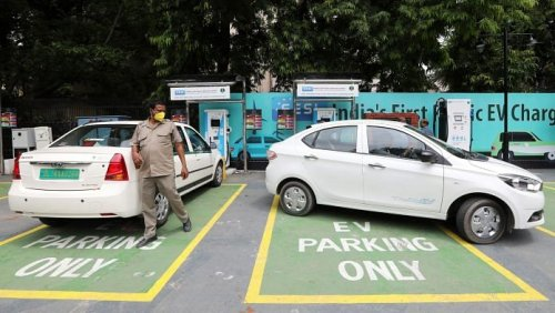 E-vehicle charging stations every 40-60 km, 40,000 km of highway coverage: NHAI's 2023 target