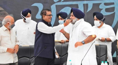 SAD, BJP join hands in Punjab after 25 years, but alliance unlikely to benefit either