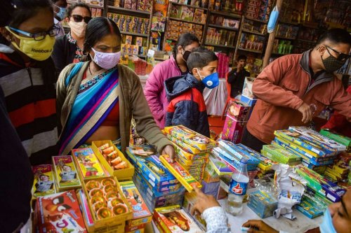 Indian economy shows more signs of recovery as festive season kicks off
