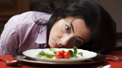 Anxiety & Stress Impacts Eating Habits: Tips to Overcome Them