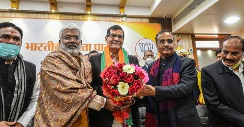AK Sharma, PM's Aide & Former Bureaucrat, Named UP BJP Vice Prez