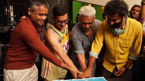 Pic: Aamir Khan & Team Wrap 'Laal Singh Chaddha' Shoot