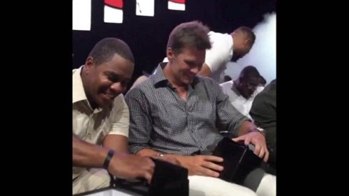 Tom Brady and the Tampa Bay Buccaneers unbox their Super Bowl LV rings.
