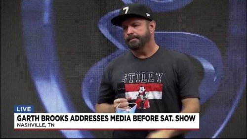 """Country music star Garth Brooks says it would be an """"honor"""" to cancel his show on Saturday if necessary due to COVID."""
