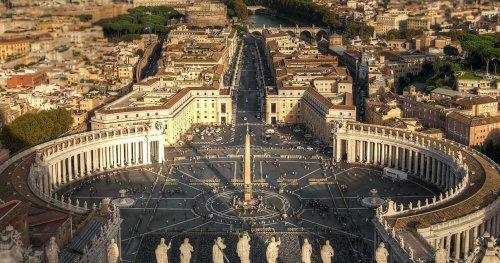 5 Priceless Things In The Vatican's Secret Rooms