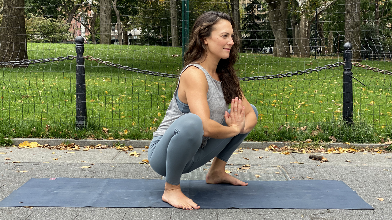 Top 9 Yoga Poses for Tight Hips in Runners -