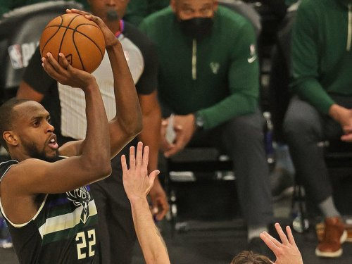Middleton breaks out as Bucks force Game 7 vs. Nets