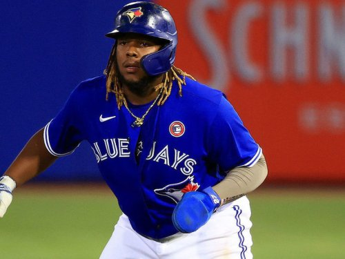 Guerrero mashes 10th HR, Blue Jays blank Phillies