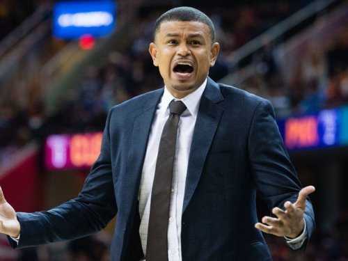 Report: Raptors to name ex-Suns head coach Watson as assistant