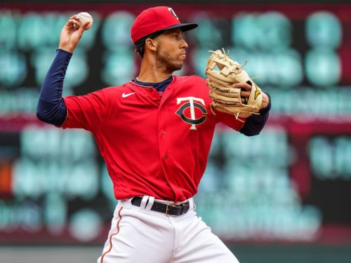 Twins' Simmons tests positive for COVID-19 after playing Red Sox