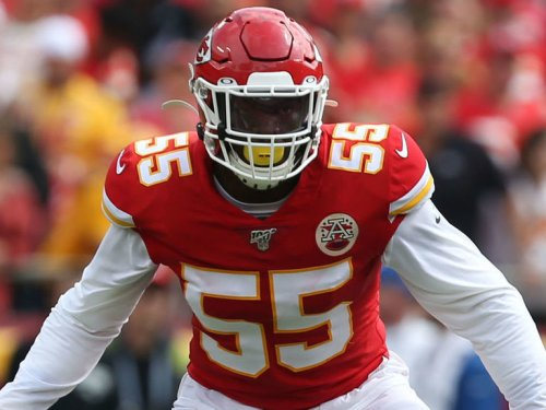 Report: Chiefs' Clark arrested for illegal possession of firearm