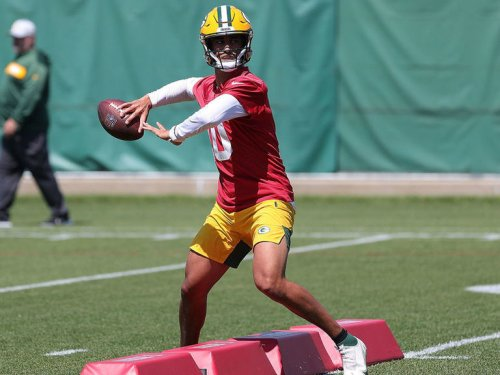 10 players making headlines following NFL minicamps