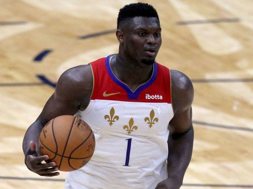 Zion out indefinitely with fractured finger, Pelicans' Griffin blames refs