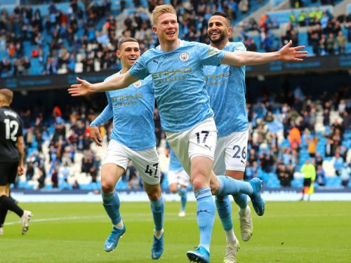 PFA awards: De Bruyne named best men's player, Foden voted top youngster