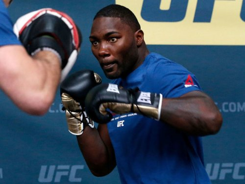 Anthony Johnson arrested, charged with identity theft