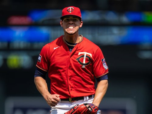 Twins trade Berrios to Blue Jays for huge prospect haul