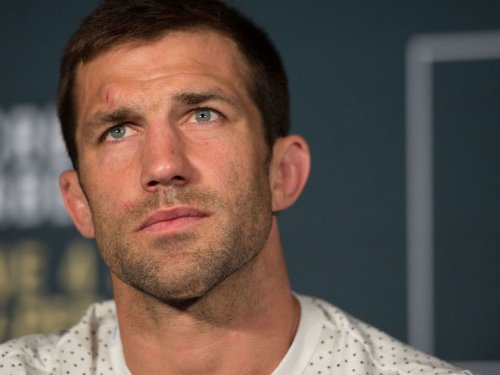 Report: Rockhold, Strickland agree to fight at UFC 268