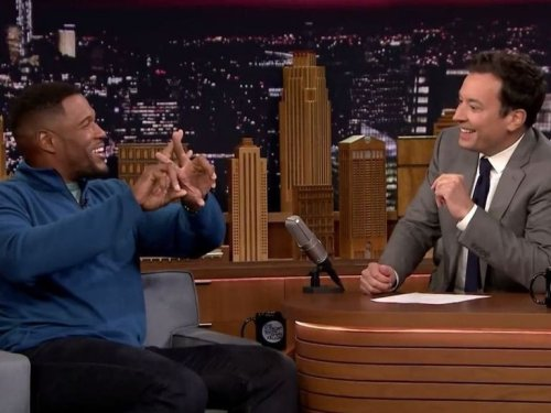 Watch: Michael Strahan loved playing in Philly because fans mooned him