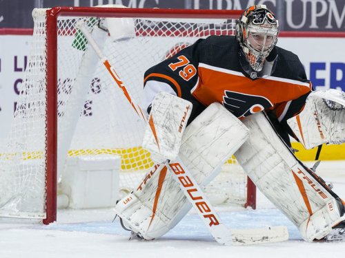 Flyers' Hart to miss at least 2 more games with mild knee sprain