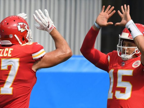 Chiefs' Mahomes, Kelce, Hill respond to challenge from UFC fighter