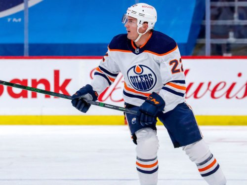 Report: Oilers bring back Barrie on 3-year, $13.5M deal