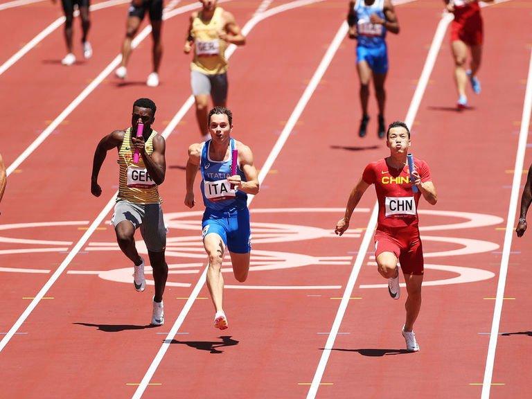 Not again! U.S. men botch relay handoffs, fail to advance to 4x100m final