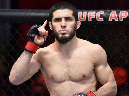 Makhachev-Dos Anjos added to UFC 267