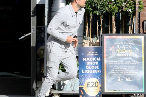Mark Wright sprints to the shops after leg injury forces him to pull out of marathon