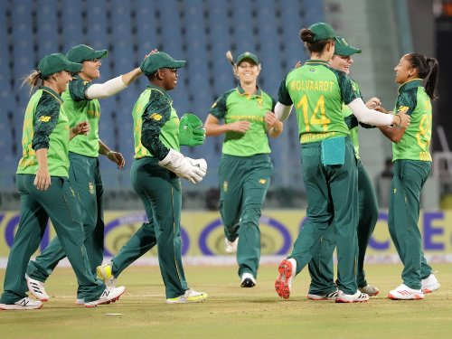 5 SA women cricket squad members stranded in Bangladesh after Covid tests