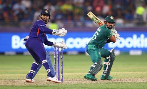 Pakistan humiliate India in heavyweight T20 World Cup clash