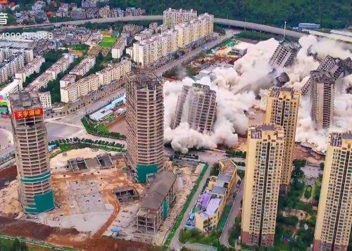 Gone in 45 seconds: Dozens of buildings destroyed in Kunming [WATCH]