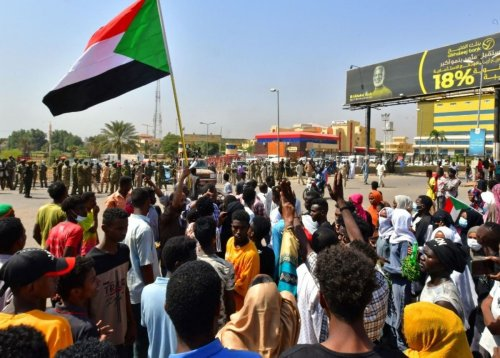 Sudan general dissolves government after 'coup'