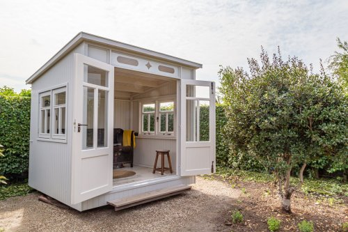 6 Expert Tips to Design the He-Shed of His Dreams