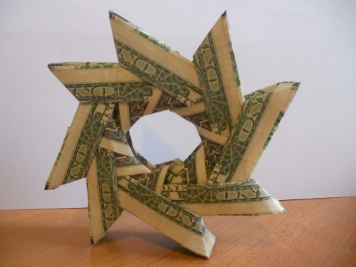 Money Origami Wreaths to Present a Cash Gift