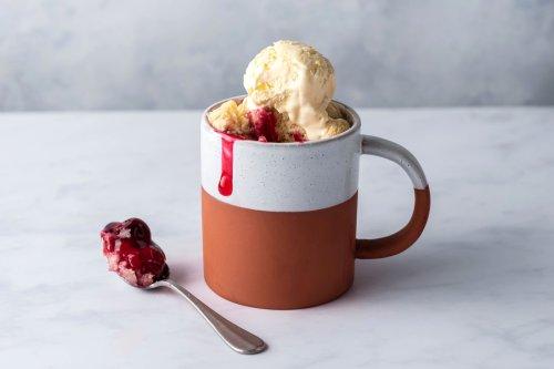 Warm, Fresh Baked Pie in Under Three Minutes? Mug Pie Is the Answer.